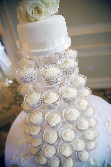 11 Elegant White Wedding Cupcakes Tower Photo - White and Silver ...