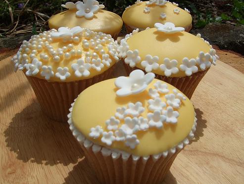 7 Yellow Flower Cupcakes Photo Yellow Wedding Cupcakes Yellow