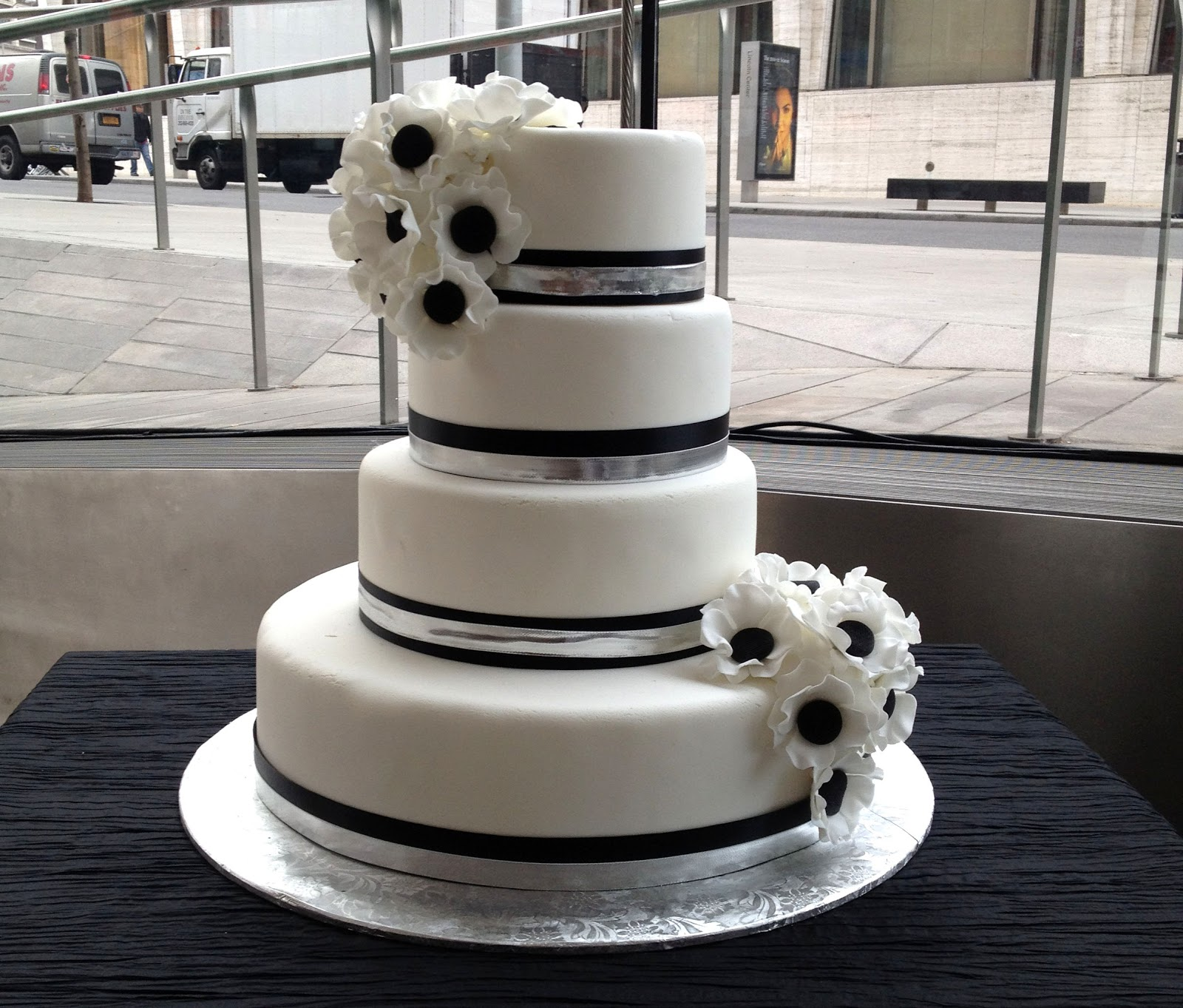 13 Simple Black White And Silver Wedding Cakes Photo - Black White ...