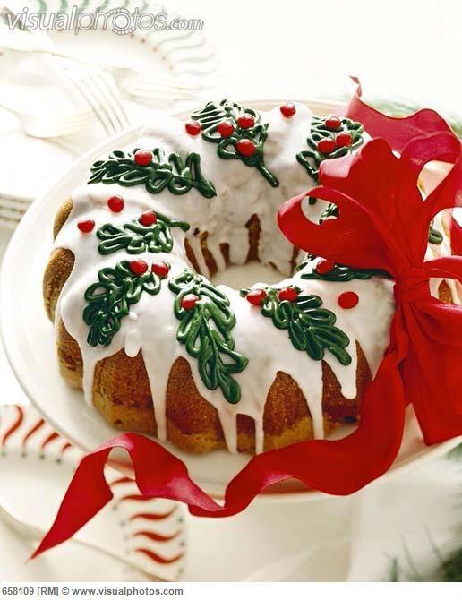 Christmas Bundt Cake Decorating Ideas
