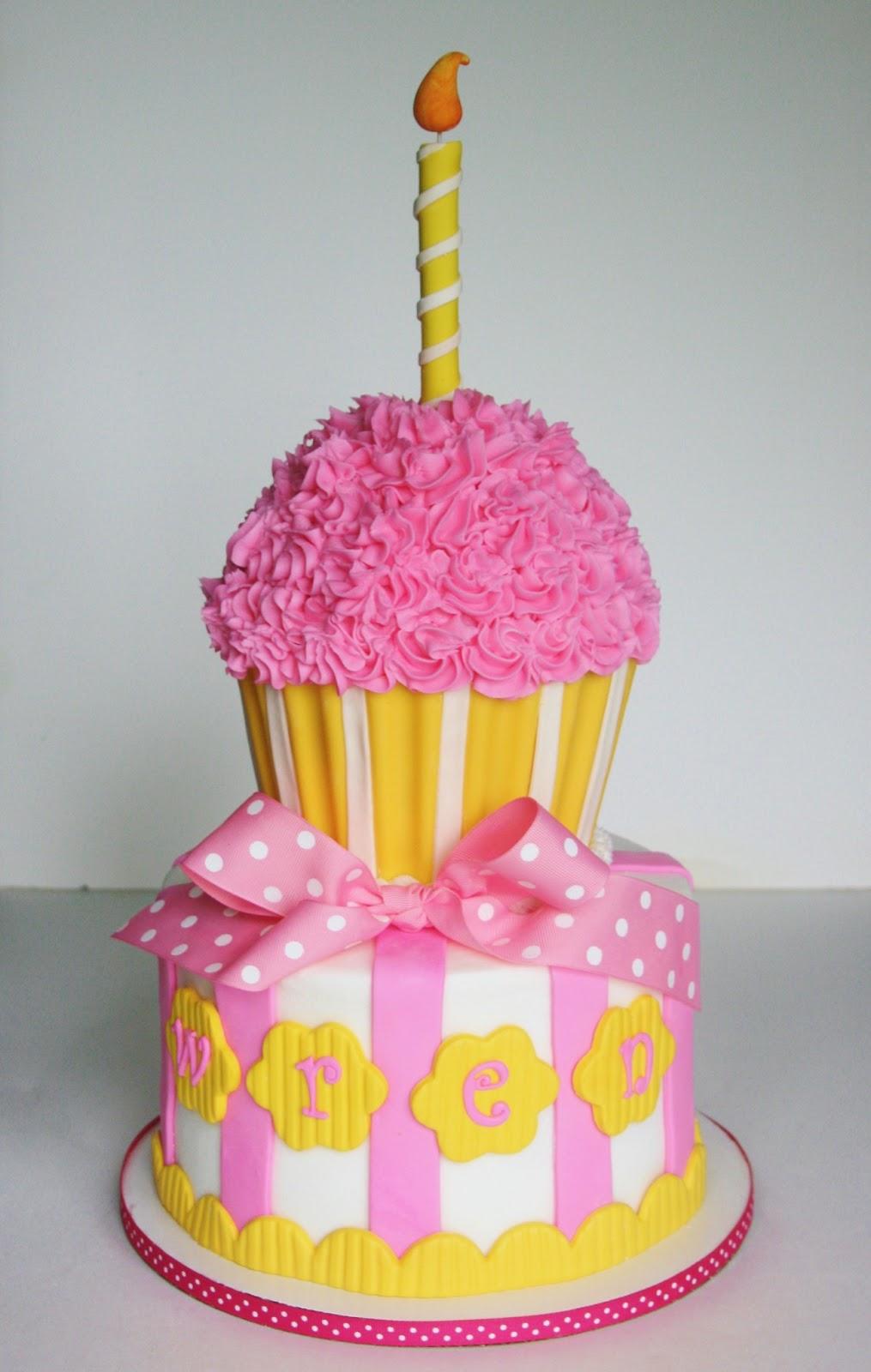 10 Yellow Cupcake Birthday Cakes Photo Yellow And White Wedding