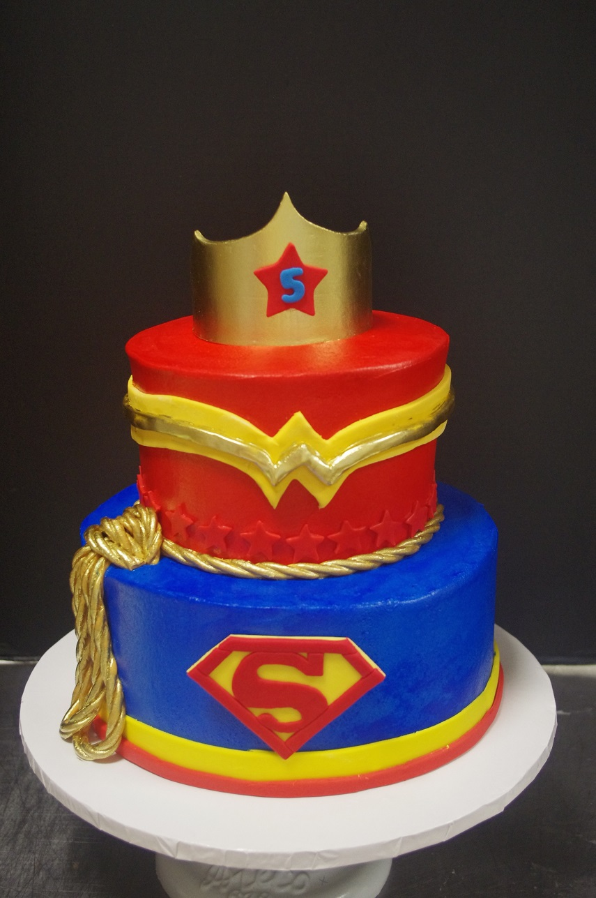 Brilliant 12 Super Girl Cakes Photo Supergirl Birthday Cakes Dc Superhero Funny Birthday Cards Online Kookostrdamsfinfo