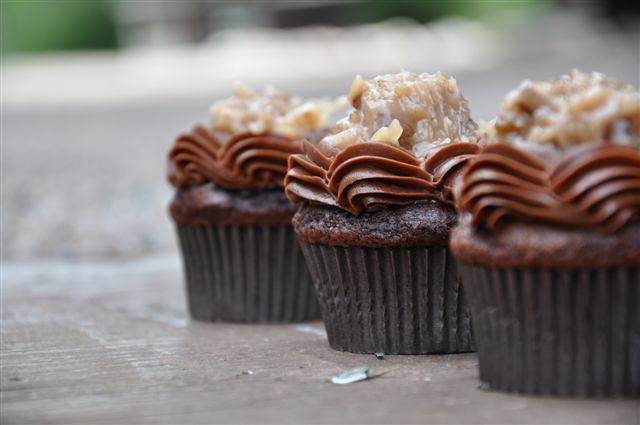 10 Photos of German Chocolate Cupcakes With Cake Mix