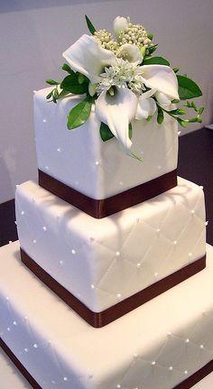 Three Tier Square Wedding Cakes Pictures - 5000+ Simple Wedding Cakes