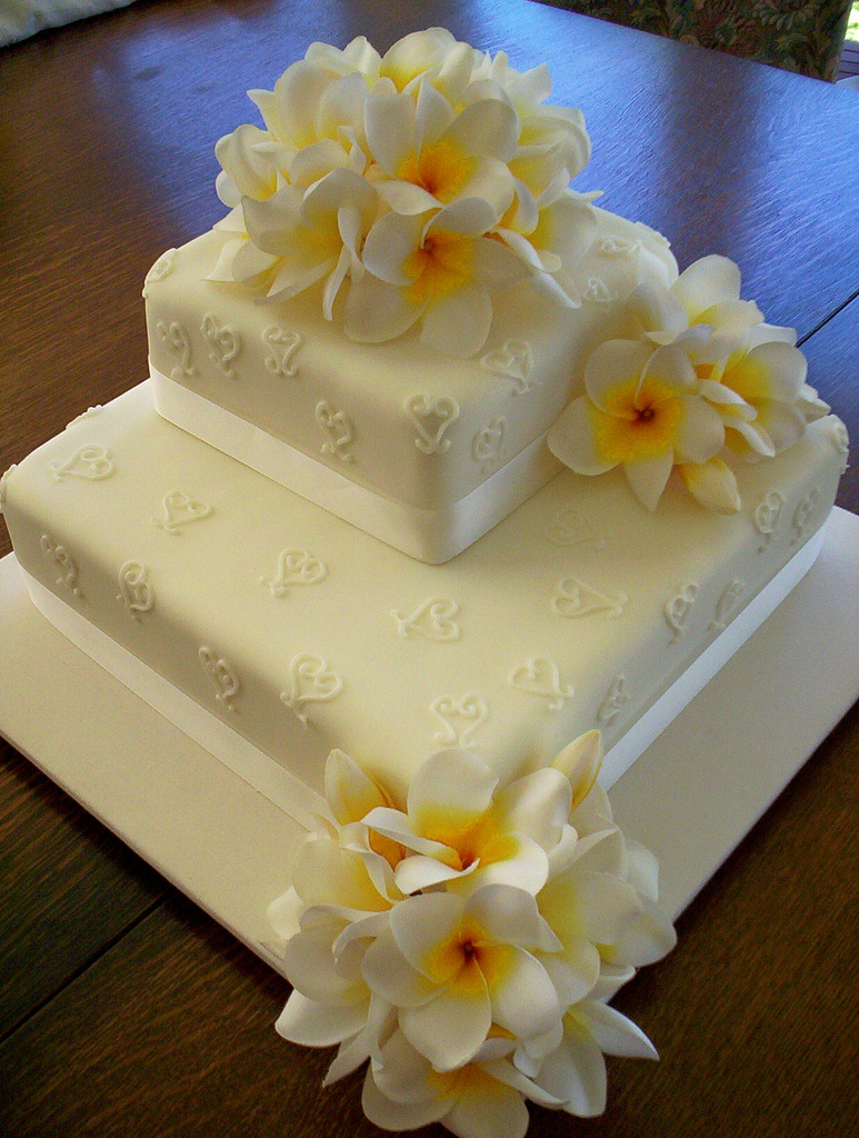 how to make a cake topper with silk flowers