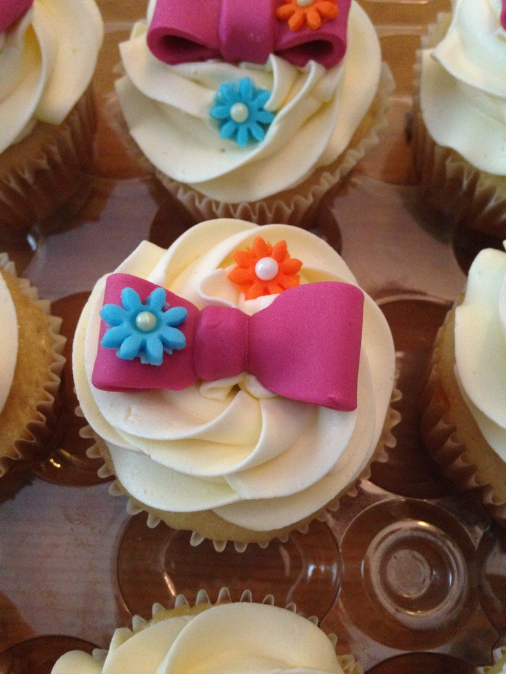 11 Photos of Baby Shower Cupcakes With Bow