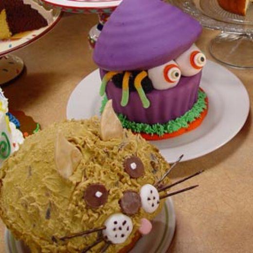 8 Photos of Large Cupcake Cakes Halloween