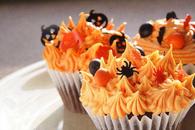 10 Photos of Halloween Cupcakes Icing Ideas