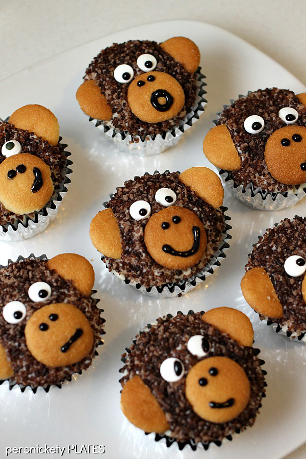 9 Photos of Cupcakes Decorated Like Monkeys