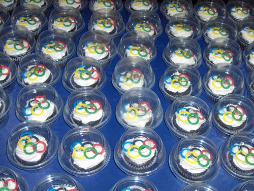 8 Photos of Olympic Cupcakes Using Fondant