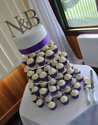 10 Purple And White Wedding Cakes And Cupcakes Photo - Country ...
