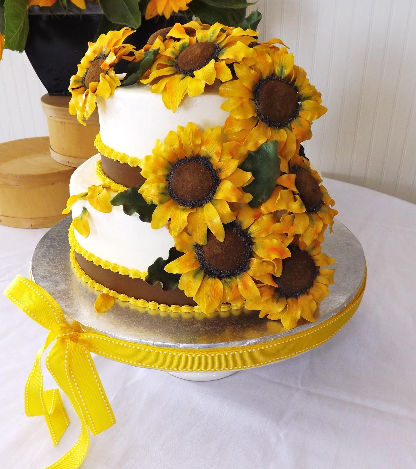 Stupendous 10 Birthday Cakes With Sunflowers Photo Sunflower Birthday Cake Funny Birthday Cards Online Necthendildamsfinfo