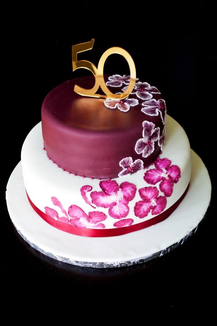 Elegant 50th Birthday Cakes For Women