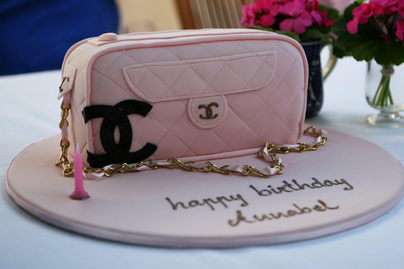 71ec0482282a coco chanel handbag cake Source · Coco Chanel Purse Cake www topsimages com