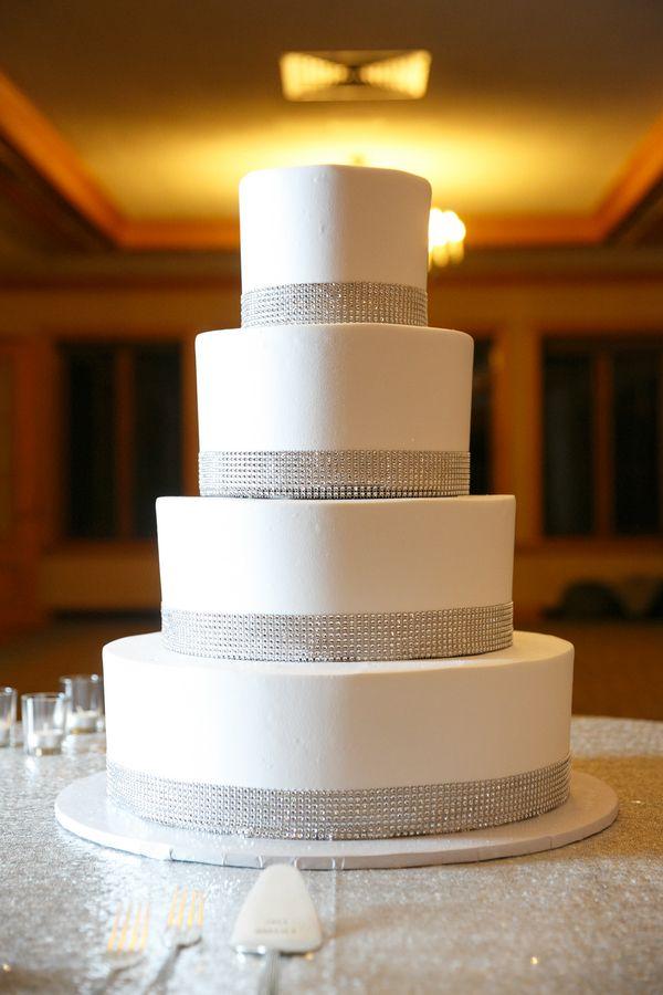 10 Elegant New Year S Cakes Photo White Chocolate Covered Cherries