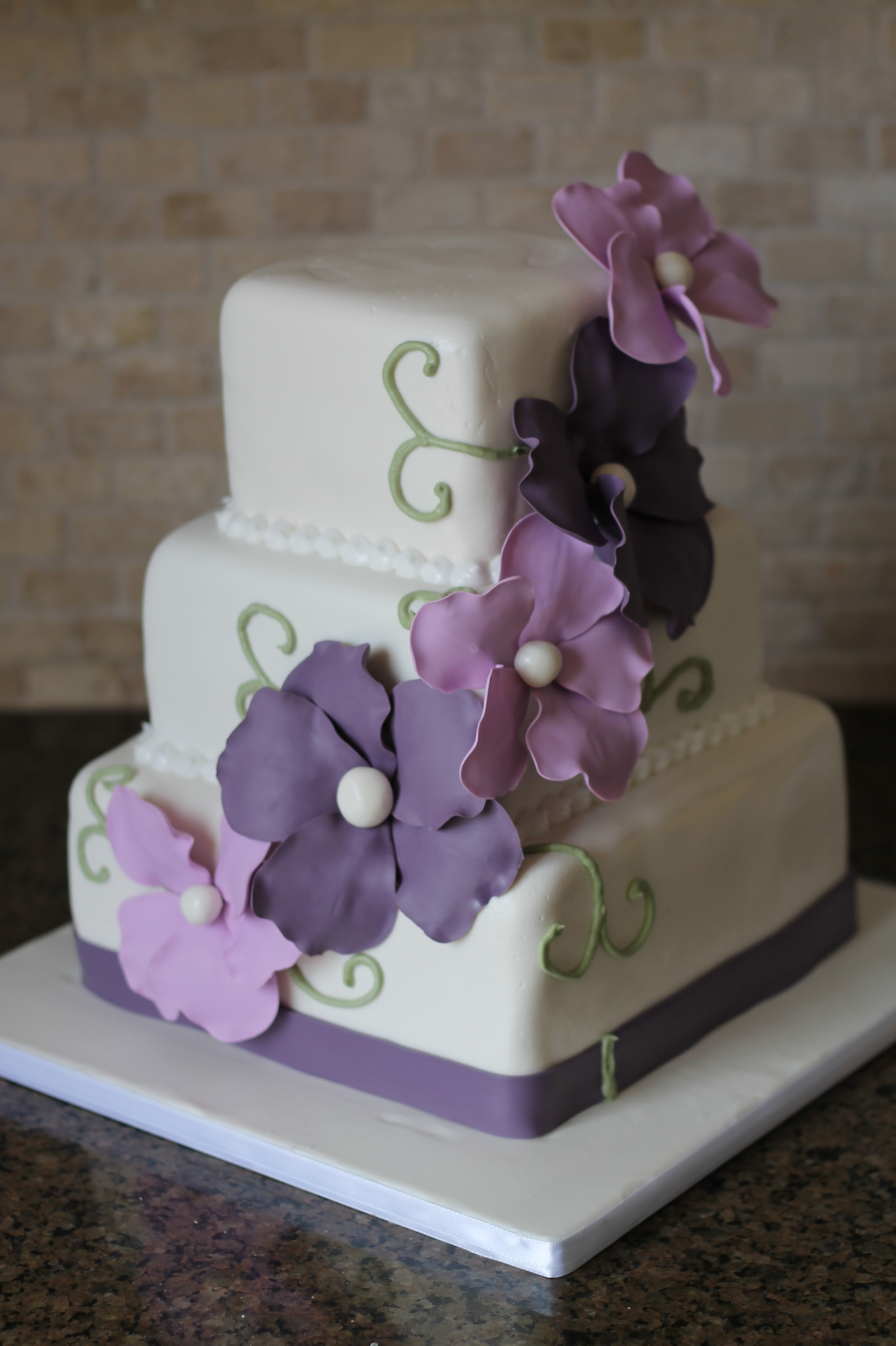 9 Spring Wedding Cakes Purple And White Photo Purple Wedding Cake