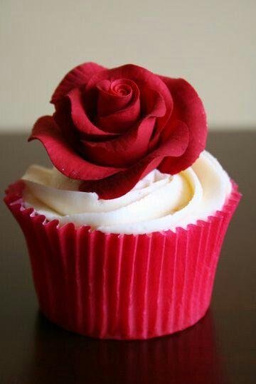 5 Photos of Single Valentine Cupcakes