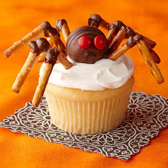 8 Photos of Halloween Spider Decorated Cupcakes