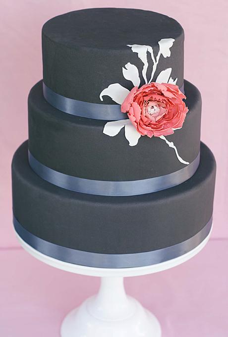 6 Photos of Black Fondant Wedding Cakes