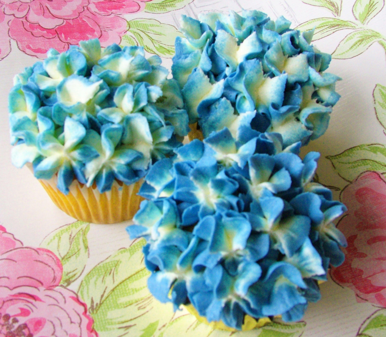 10 Photos of Buttercream Hydrangea Flowers For Cupcakes