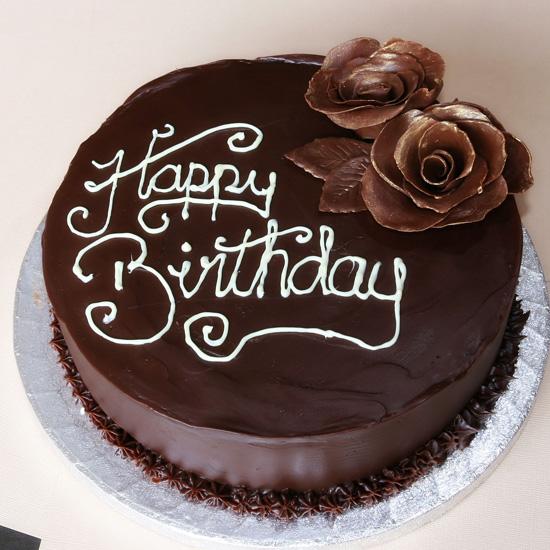 10 Photos of 12 Chocolate Cakes