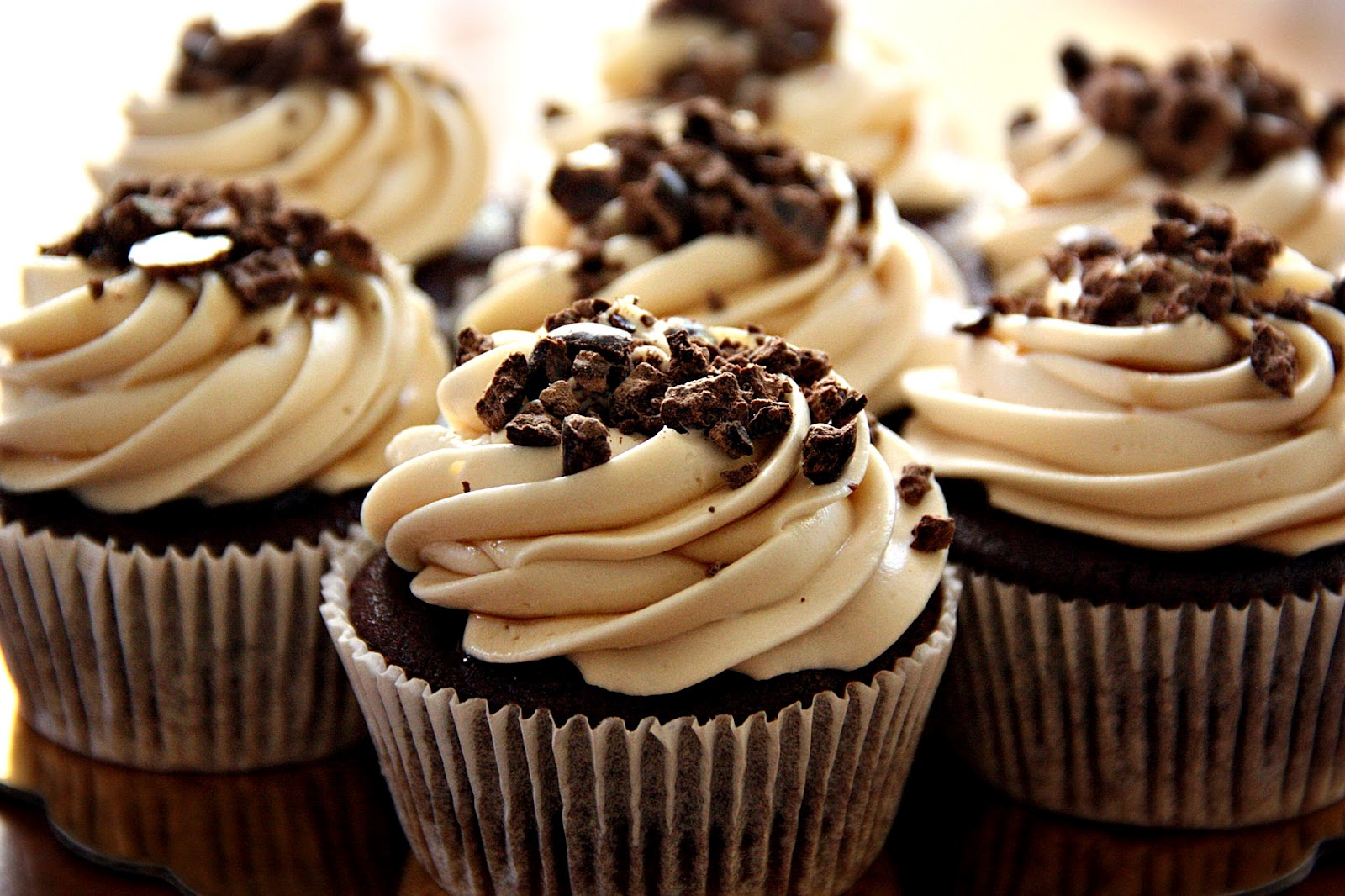 7 Photos of Chocolate Cupcakes With Kahlua Frosting