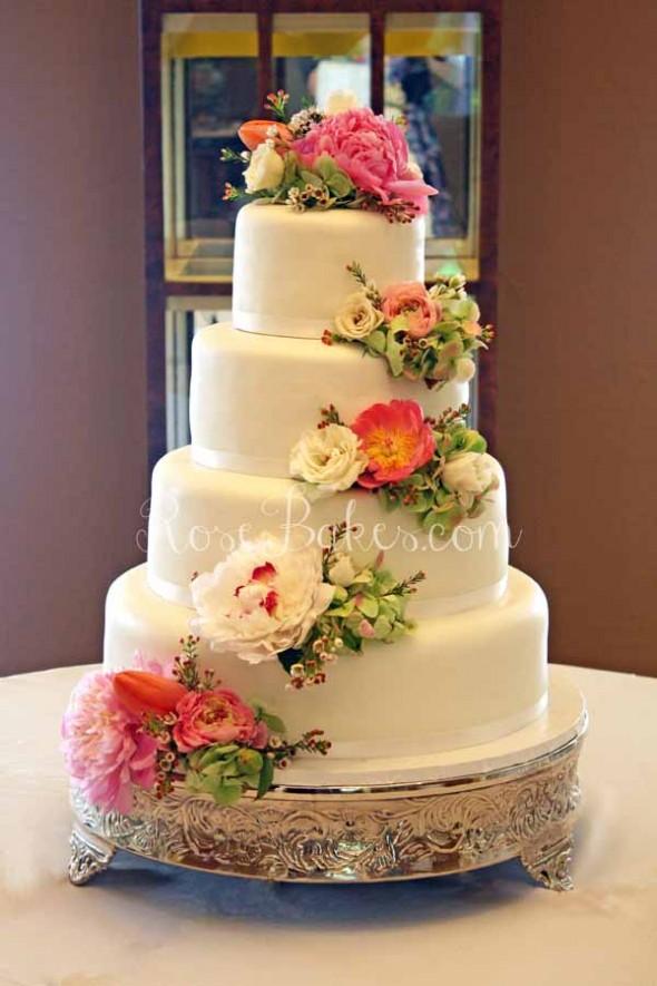 11 Photos of Natural Cascade Wedding Cakes Flowers