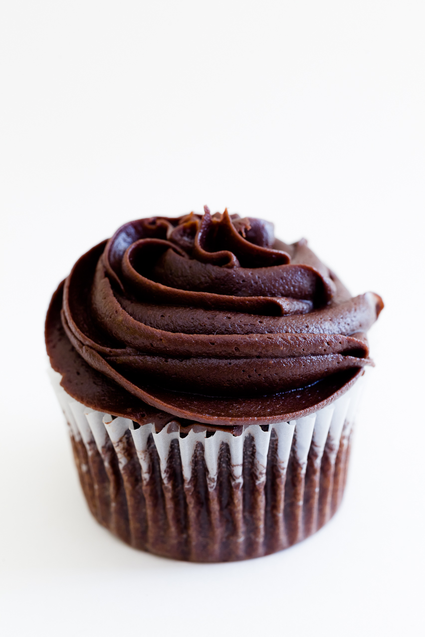 12 Photos of Chocolate Cupcakes With Cream Cheese Buttercream Frosting