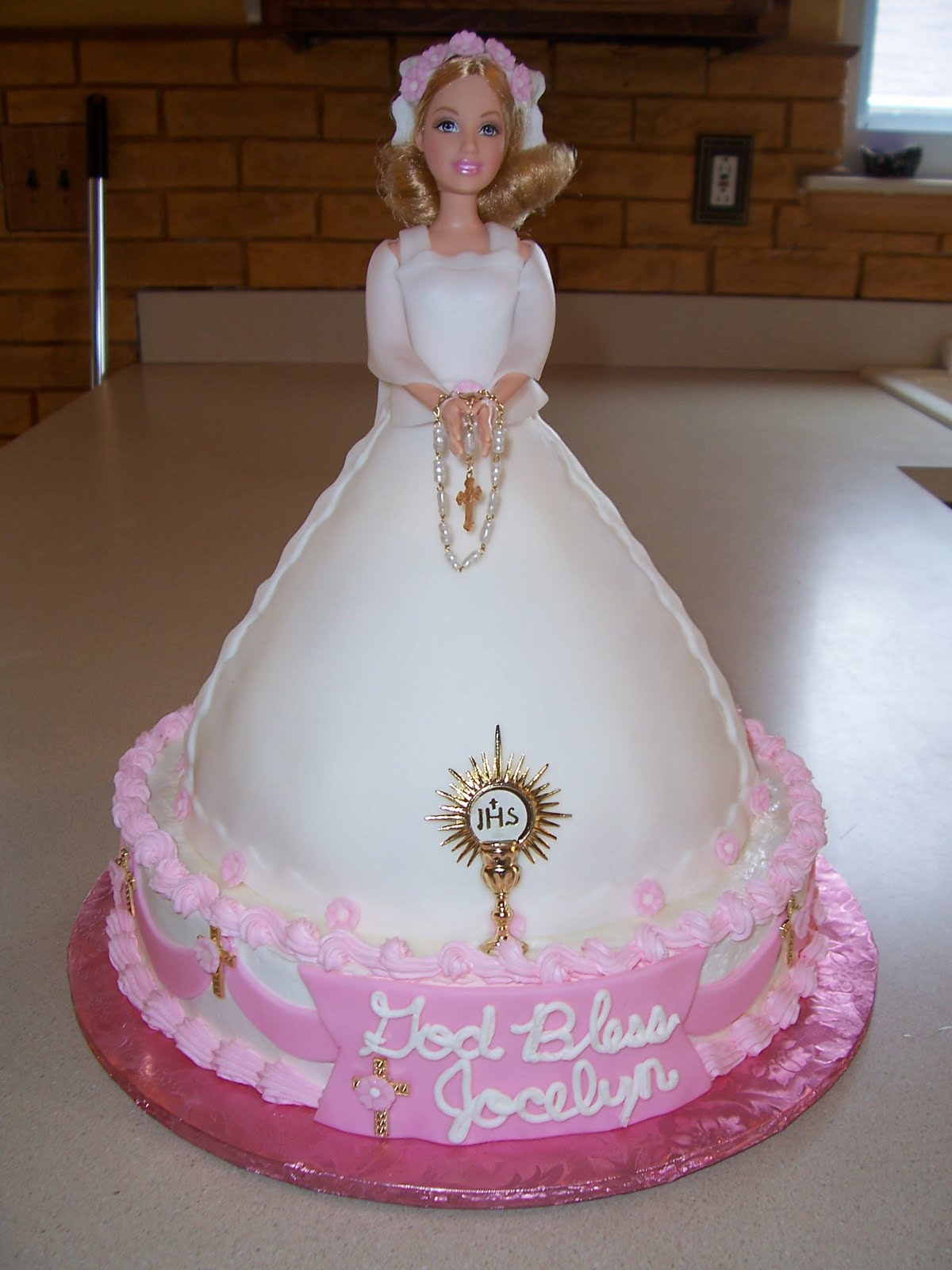 7 Photos of First Communion Doll Cakes