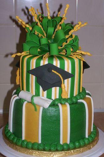 9 Photos of Green Graduation Cakes