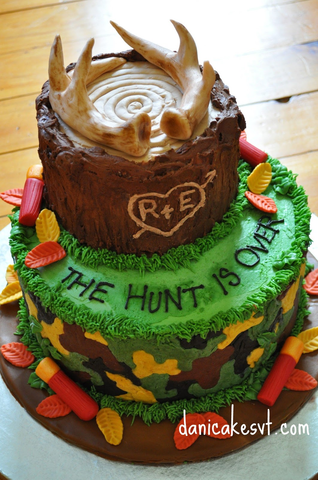 7 Photos of Hunting Theme Groom S Cakes