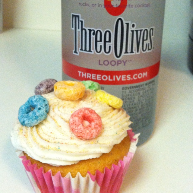 11 Photos of Vodka Infused Fruit Loop Cupcakes