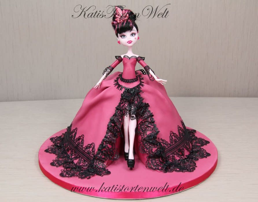 13 Photos of All Monster High Doll Cakes