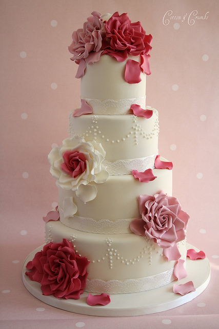 Red and Pink Rose Petals Wedding Cake