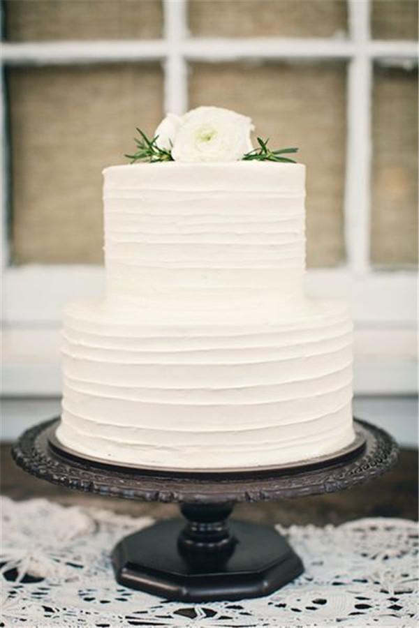 10 Photos of Simple Buttercream Wedding Cupcakes