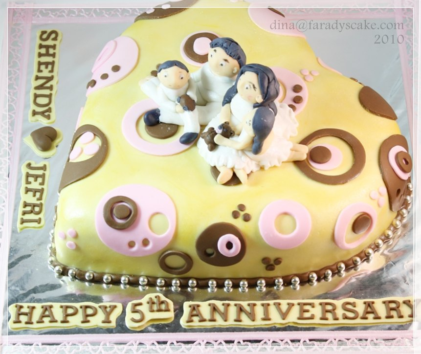 8 Photos of 5th Wedding Anniversary Cakes