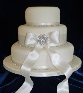 3 Tier Wedding Cake to Serve 150 People