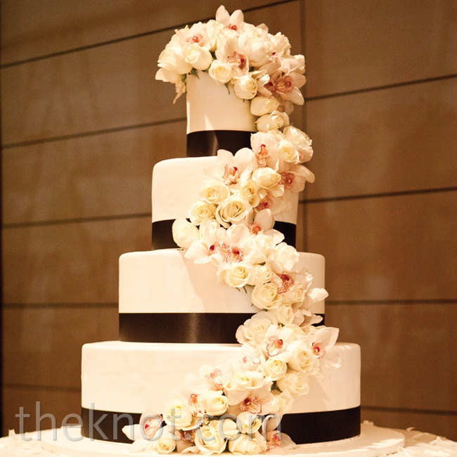 Brown White Wedding Cakes with Flowers