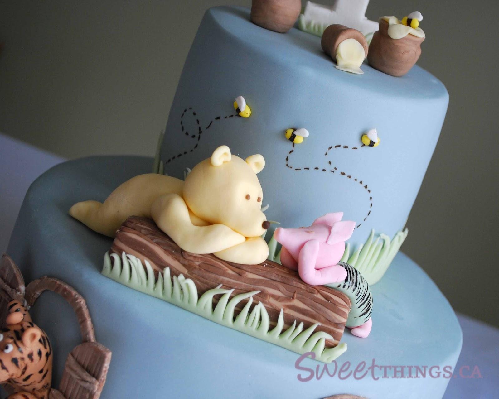 Classic Pooh Birthday Cake