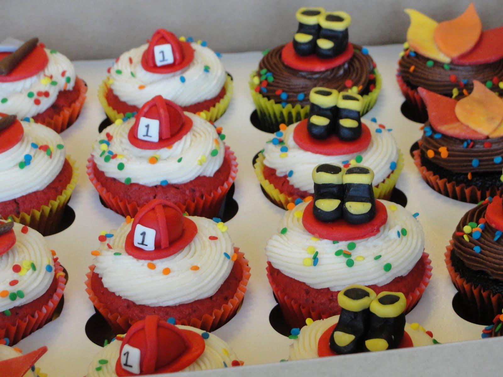 12 Photos of Firefighter Cupcake Cakes