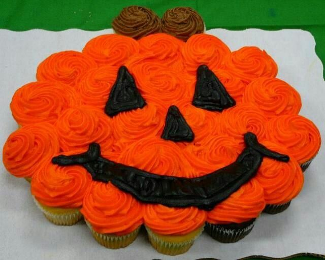 10 Photos of Pumpkin Cupcakes For Halloween Made Out Of Cakes