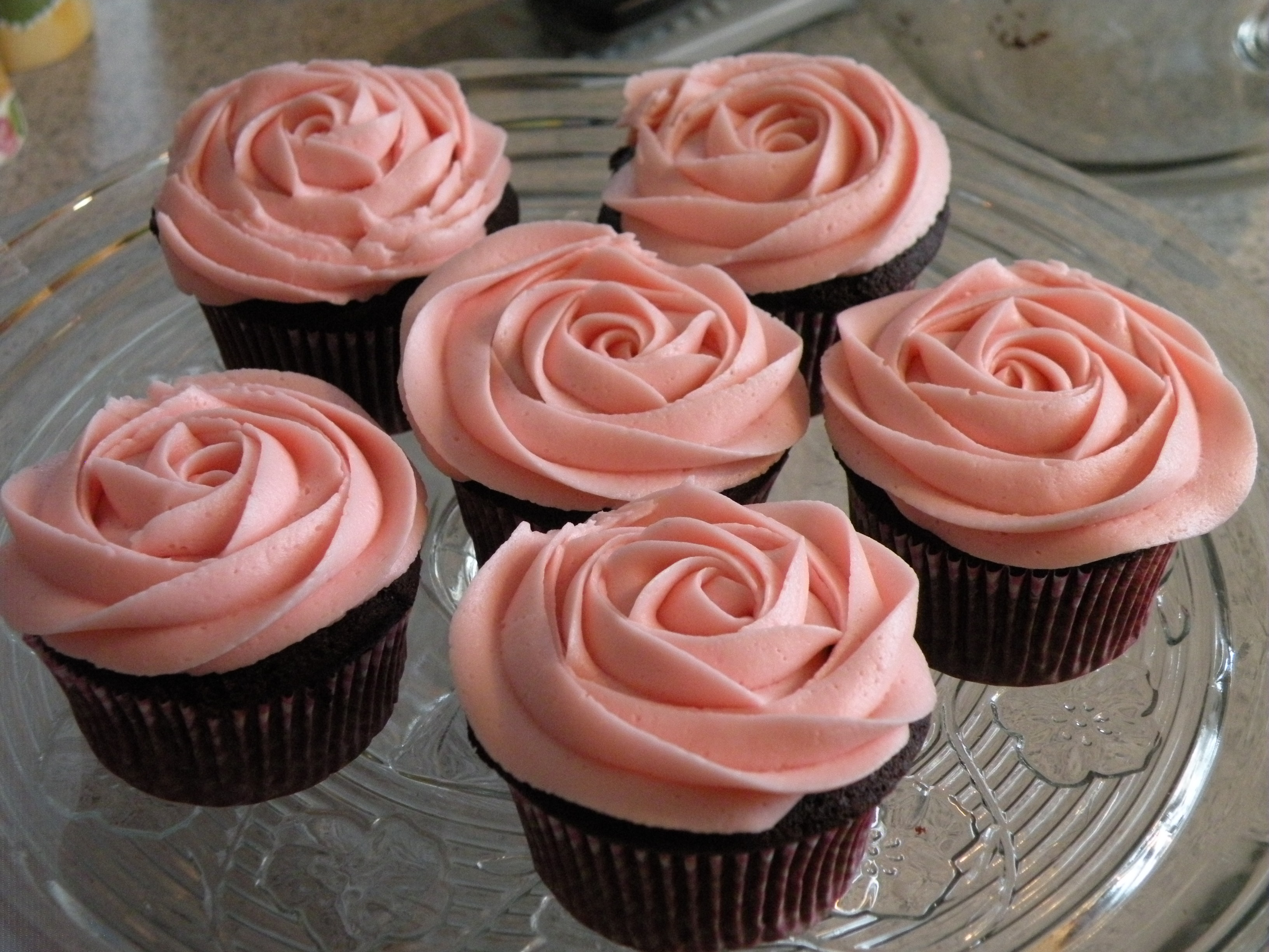 12 Photos of Cupcakes That Look Like Roses