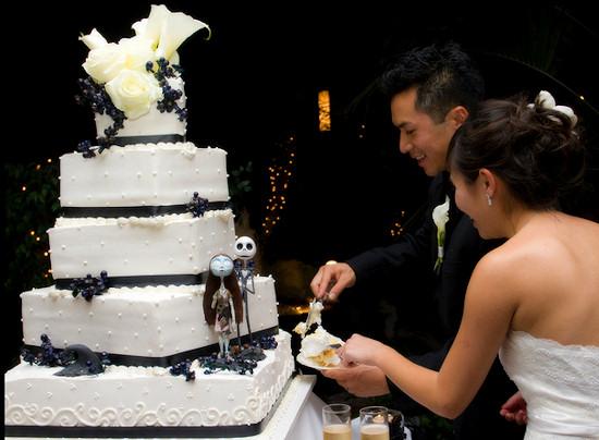 Elegant Halloween Wedding Cake