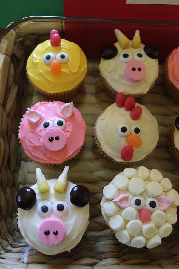 10 Farm Animals Theme Cupcakes Photo Farm Animal Cupcakes Birthday