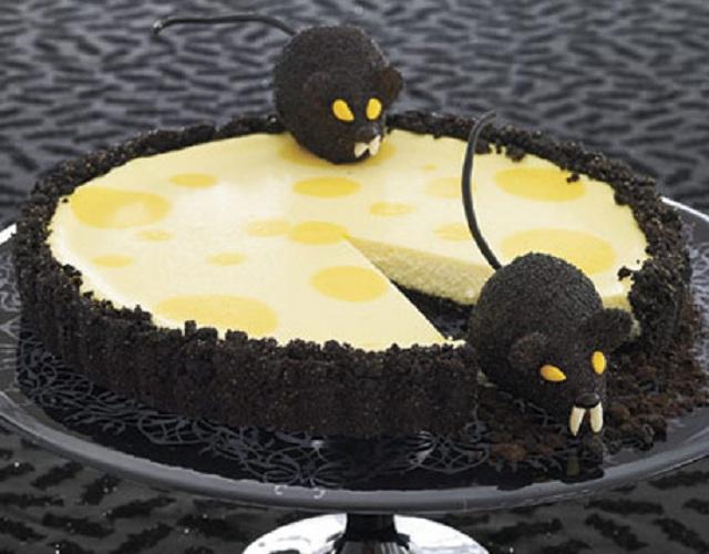 8 Photos of Creepy Rat Halloween Cakes