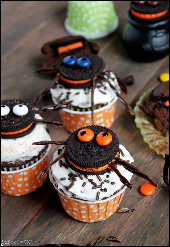 Halloween Spider Cupcakes with Oreos