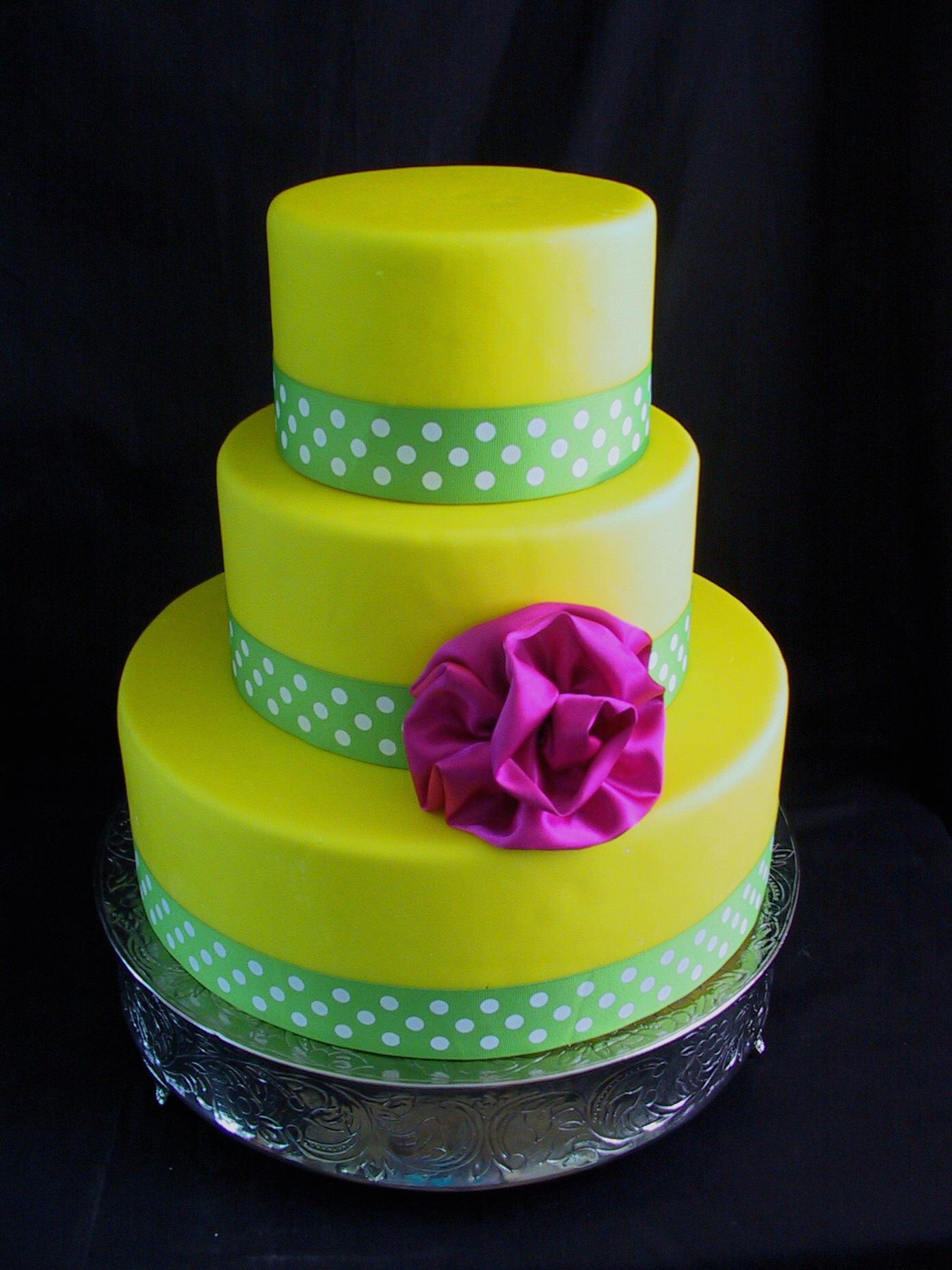 lime green and hot pink wedding cakes 7 yellow fondant cakes photo pink amp lime green 16896