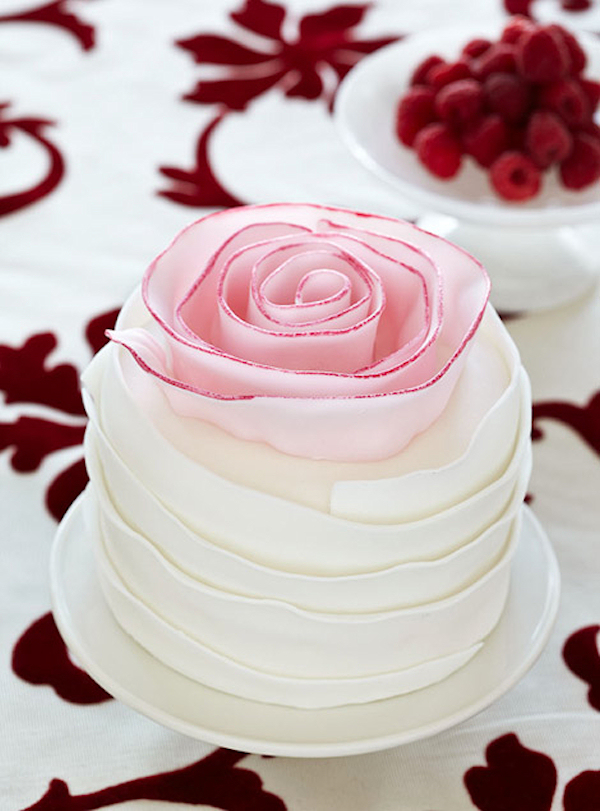 Mini Cake with Roses