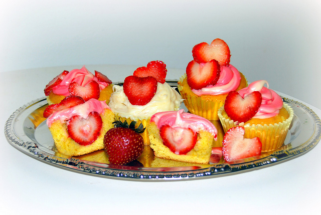 7 Photos of Cupcakes With Fruit Inside