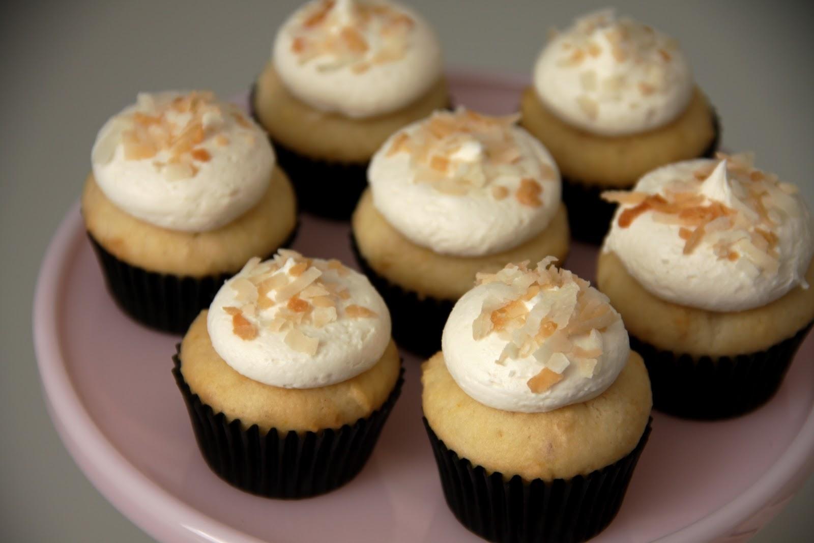 7 Photos of White Chocolate Macadamia Cupcakes